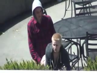 voyeur-couple-blonde-levrette-spycam-outdoor