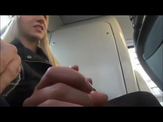 teen-exhibition-blonde-bus-baise