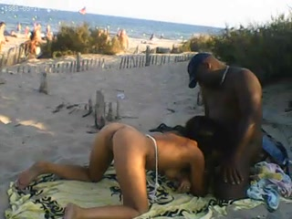 naturiste-interracial-black-plage-voyeur-pipe